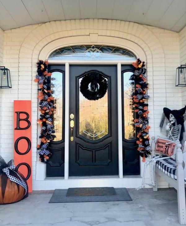 Halloween Porch Decor - Design Dazzle