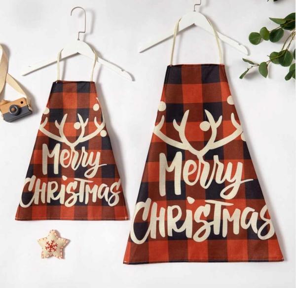 Plaid Christmas Aprons