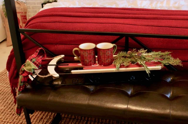Christmas sled with hot cocoa mugs and greenery! Design Dazzle