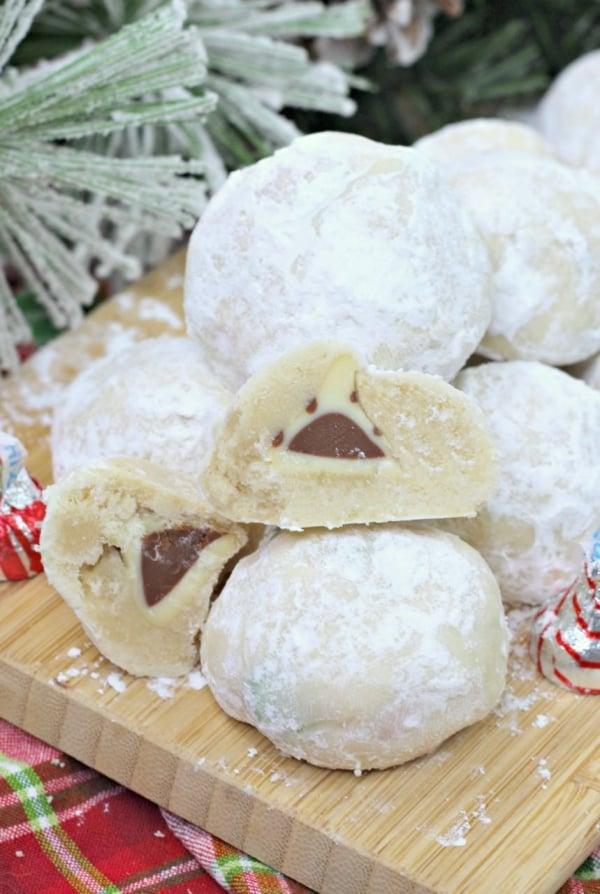 Snowball Cookies! Hidden chocolate surprise - Design Dazzle
