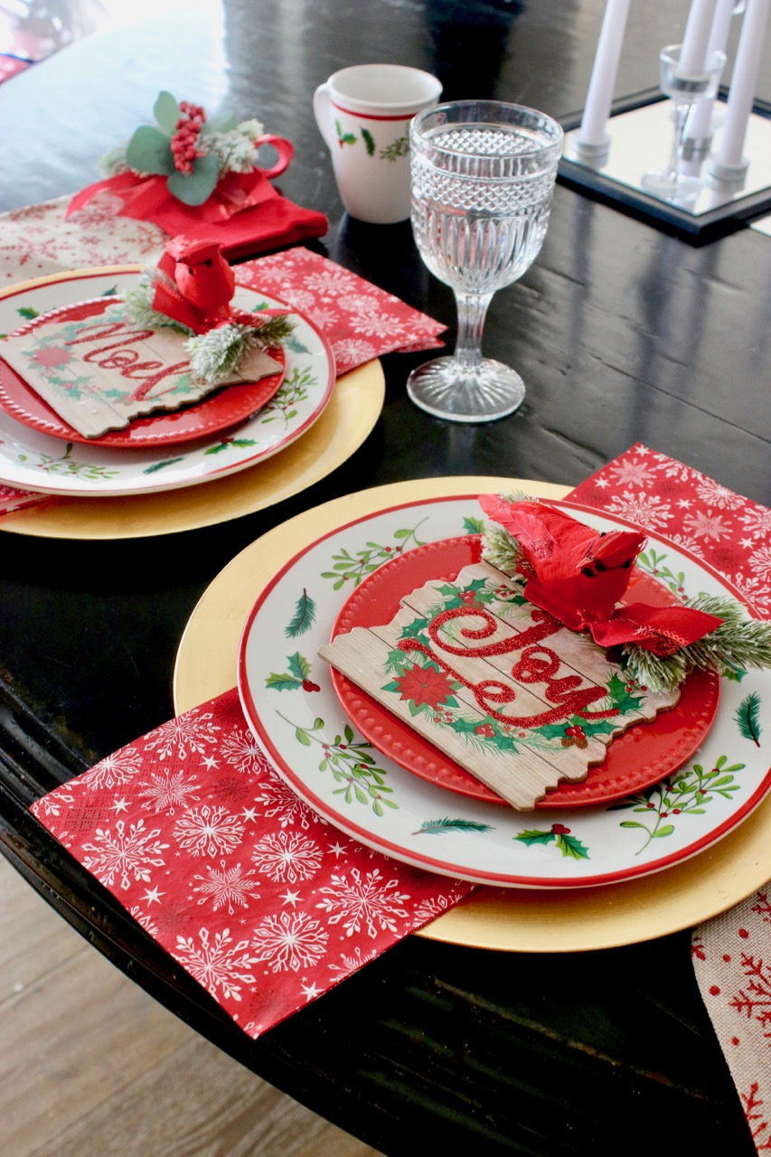 Dollar Store Christmas Tablescape & Hacks! Design Dazzle