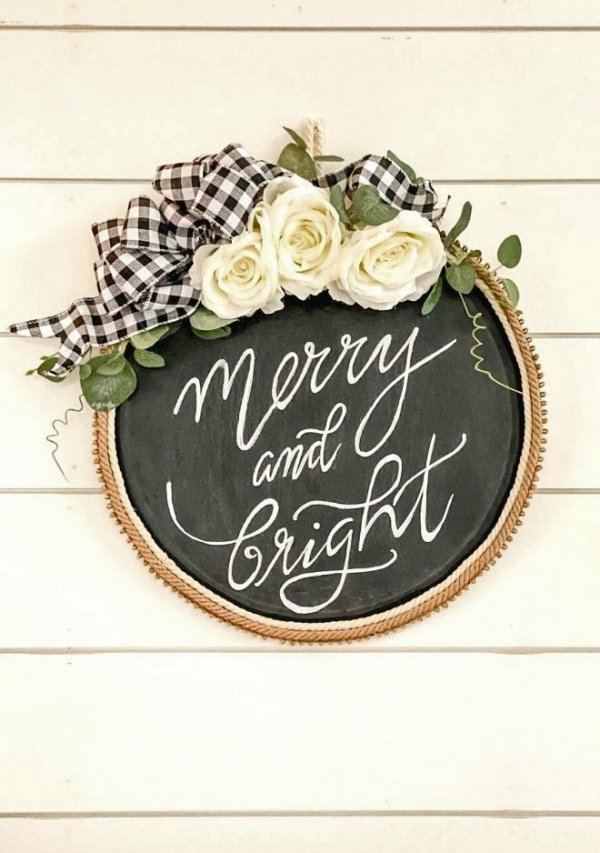 Farmhouse Merry & Bright sign
