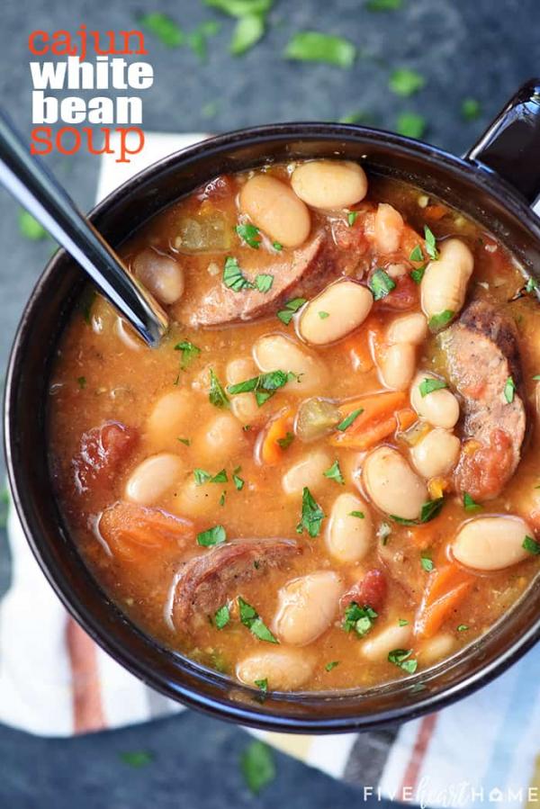 slow cooker white bean cajun soup