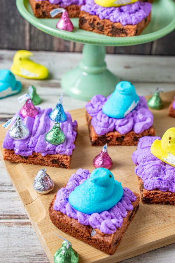 Easter chocolate chip cookie squares 15
