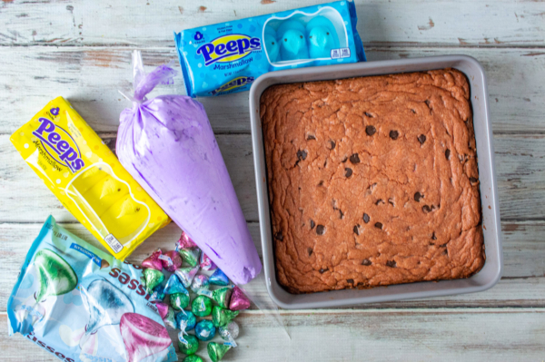 Easter chocolate chip cookie squares 8